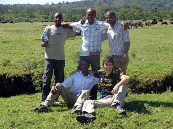 Equipo de Udare Safari Co Ltd con Aitor. Por Udare