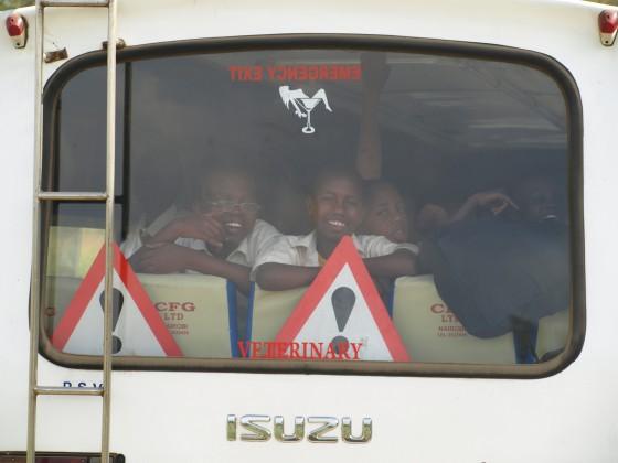 Escolares visitando Parque Nakuru. Por Udare