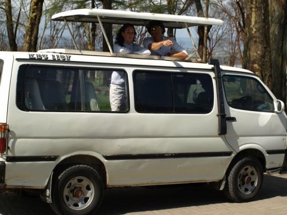 Vehículo para safari privado. Por Udare
