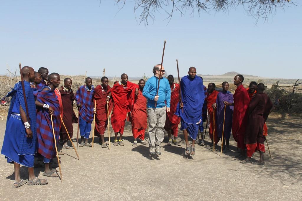Baile tradicional Masai. Por J. Vicente