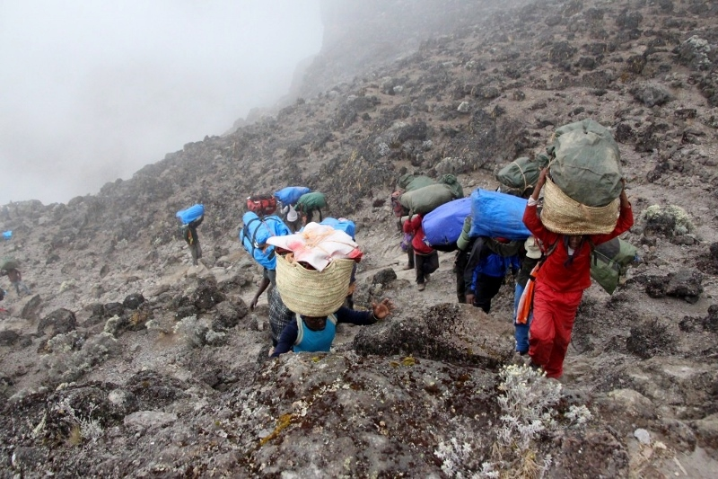 Ascendiendo por las empinadas laderas. Por Nuria B.
