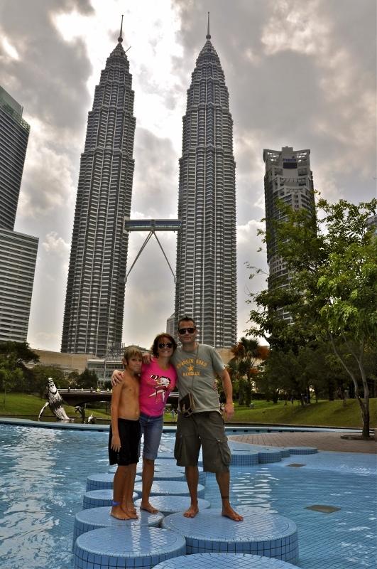 En Kuala Lumpur (Malasia). Un mundo para 3