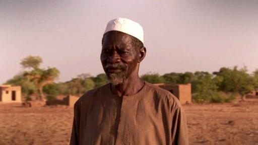 Yacouba Sawadogo en su aldea