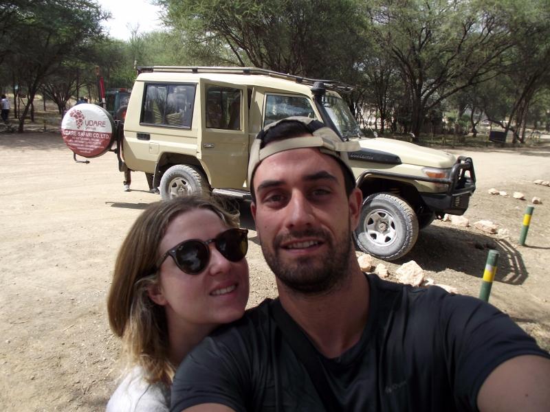 Con el Land Cruiser testigo del selfie. Por Raúl