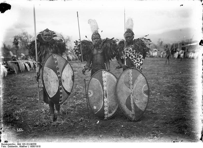 Guerreros masais en 1915. Wikipedia
