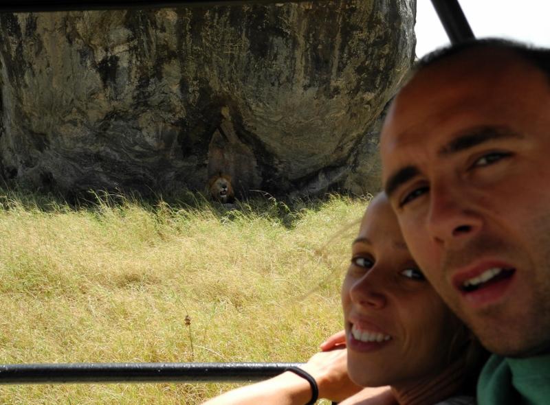 Sandra, José Luis en Serengeti. Por José Luis