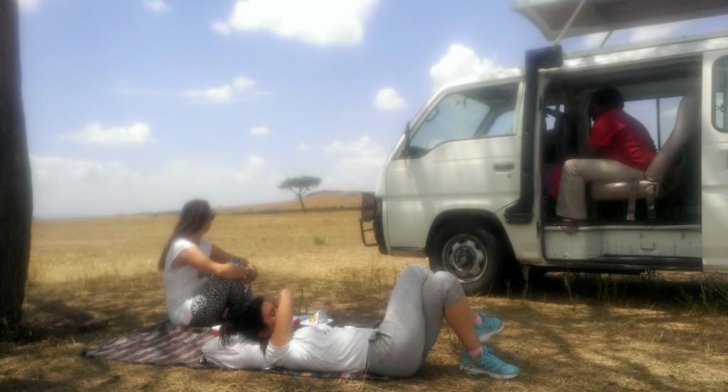 Una siesta en Masai Mara tras el picnic. Por Beatriz