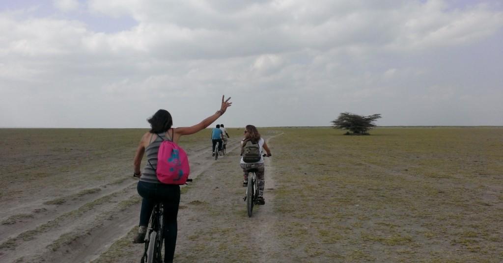 Paseo en bici hacia lago Manyara. Por Marta