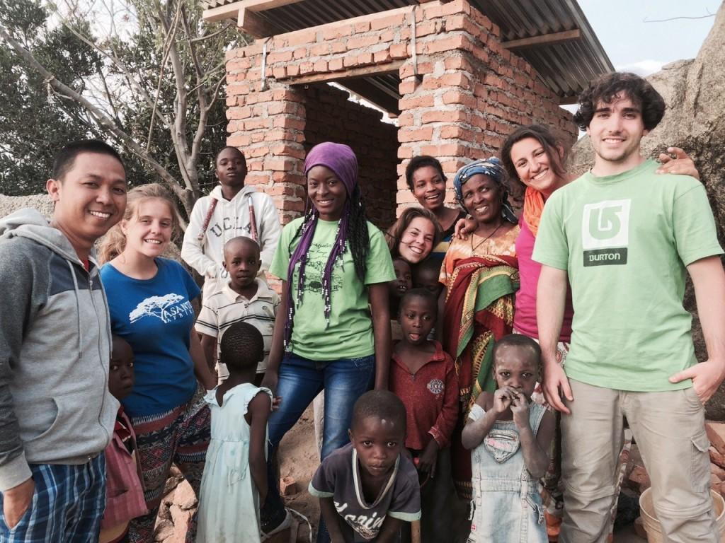 Parte de los integrantes de asante Africa 2015 en Iringa. Por Marta