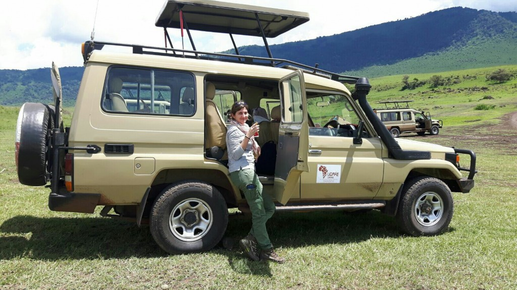 Laura y su Land Cruiser. Por Laura