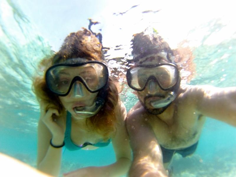 Raúl y Lucía disfrutando de los fondos marino