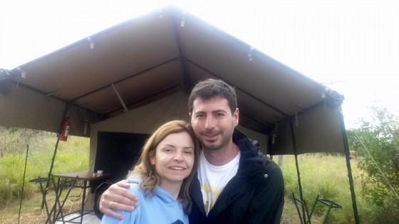Pablo y Encarna en Serengeti. Por Pablo