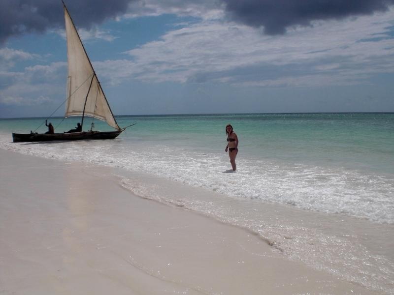 En Zanzibar el dhow es la embarcación tradicional. Por Encarna