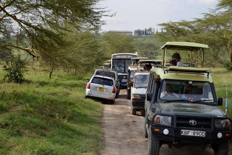 En ocasiones concurridas pistas en Nakuru. Por Bea