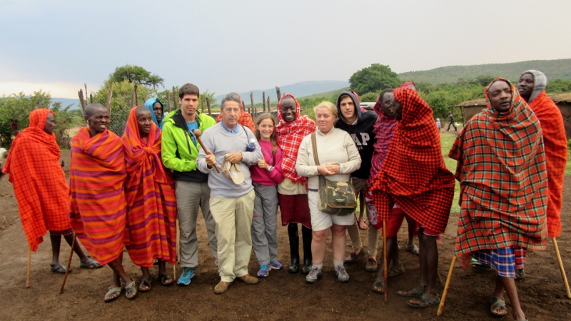 Visitando una boma masai. Por Charo