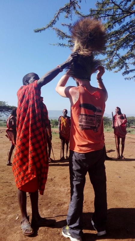 Visitando un poblado masai. Por Javier