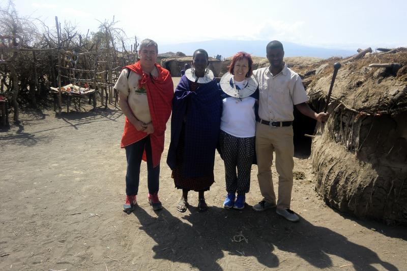Visitando un poblado masai. Por Roberto