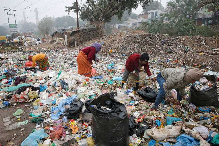 Motañas de basura