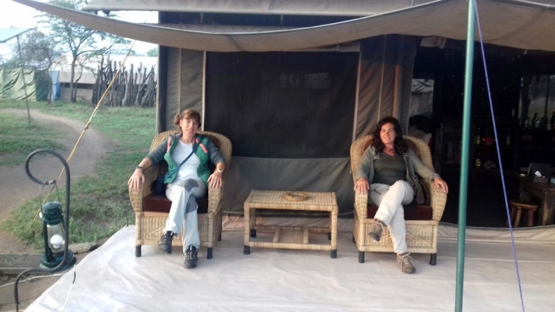 Disfrutando del campamento de Serengeti. Por Eduardo