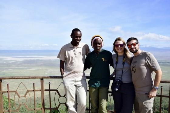 Eli, Bruno, Laura y Daniel en el mirador de Ngorongoro