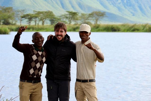 Nash, Albert y Joshua en Ngorongoro. Por Judith