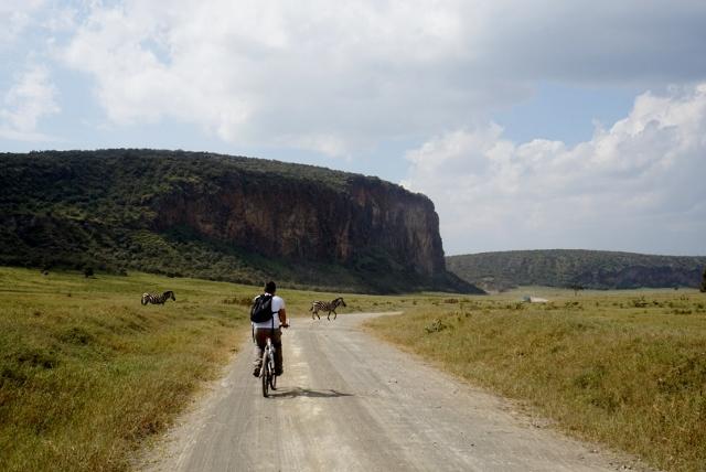 Paseando en bici en Hells Gate. Por Isabel