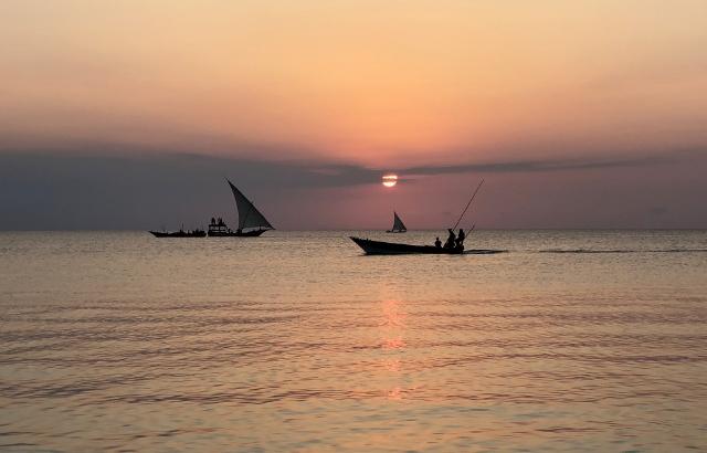 Anochece en Zanzibar. Por Francesc