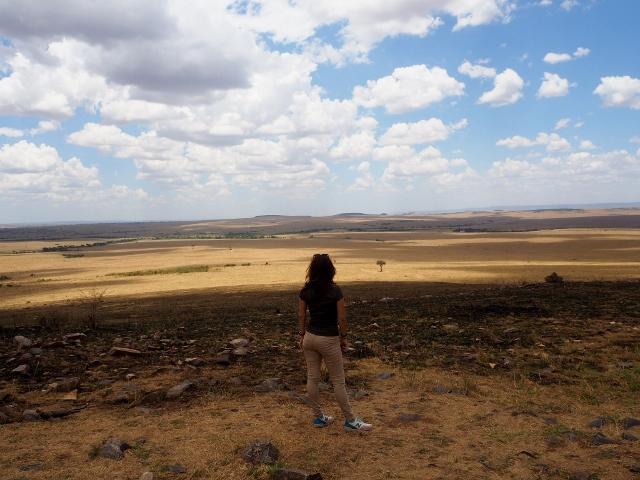 María contemplando el P.N. Masai Mara. Por María