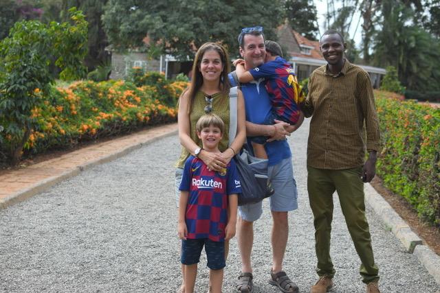 En casa de Karen Blixer en Nairobi con Lázaro. Por Cristina