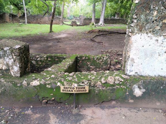 Tumba fechada en Ruinas de Gede. Por Udare
