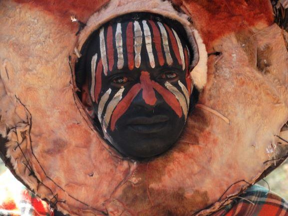 Hombre de la etnia Kikuyu en Kenia. Por Udare