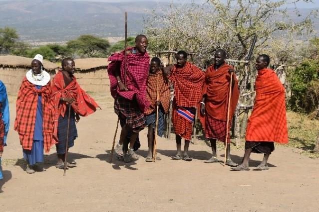 Visitando un poblado masai. Por Naiara