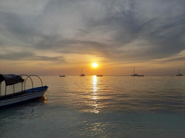Puesta de sol en Zanzibar. Por Marisa y Jose