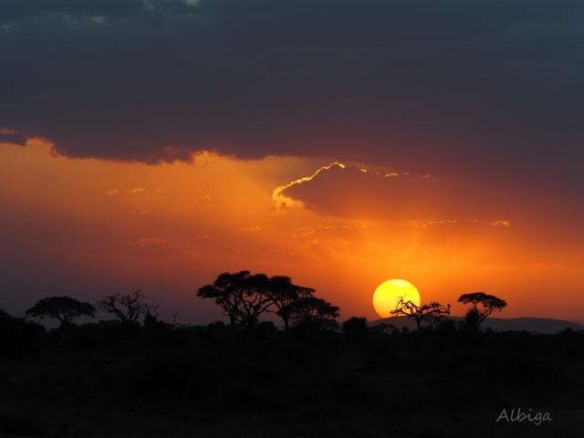 Puesta de sol en Amboseli. Por Alba
